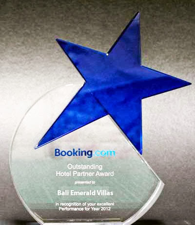 Blue Star Award from Booking .com