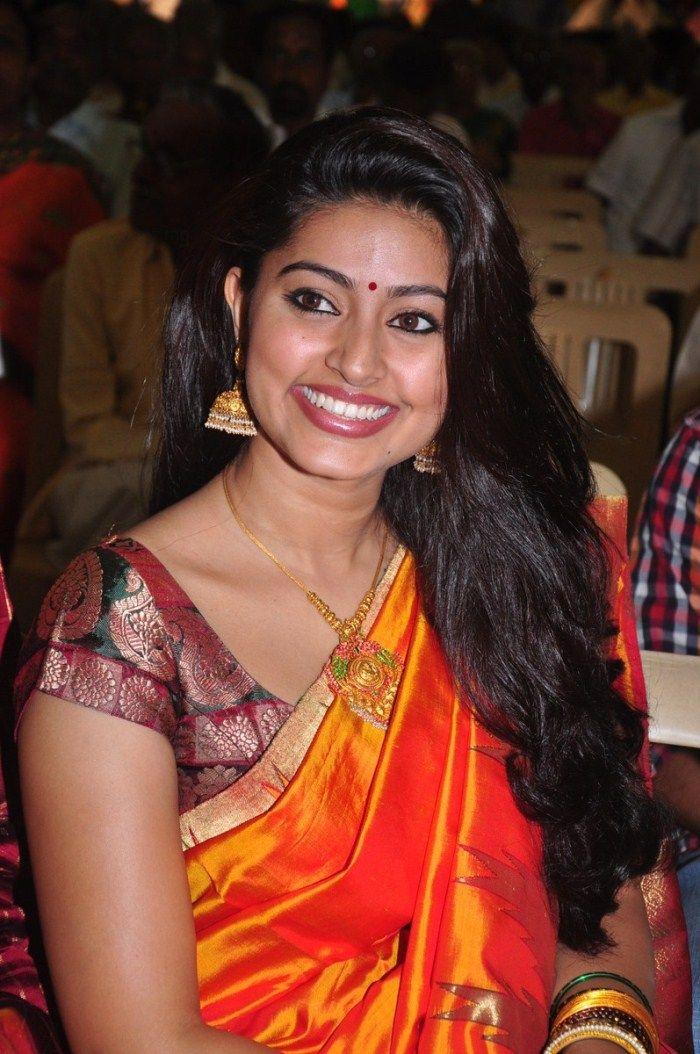 http://3.bp.blogspot.com/-fSaGW-RdB3g/ThA313nOqwI/AAAAAAAAbwY/43-ZvdKxXZY/s1600/tamil+actress+sneha+saree+stills+1.jpg