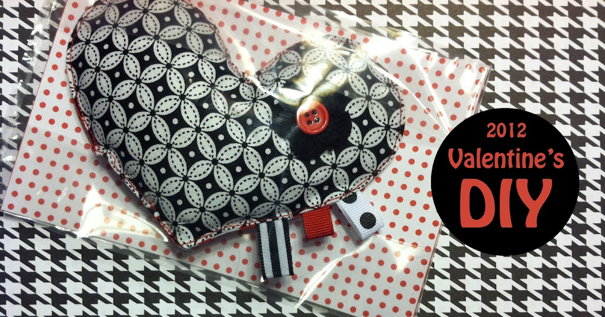 Fabric Plate Warmer ~ Celebrate valentine s diy heart pocket warmers