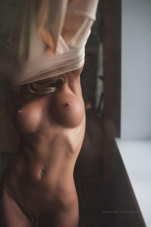 Alexander Tikhomirov fotografia mulher loira peituda gostosa sexy pelada