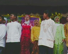 Paturay tineung siswa wiswi kelas 6 tahun ajaran 2010-2011