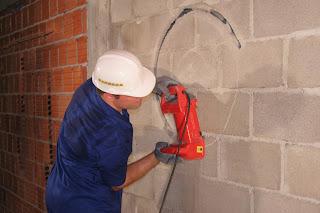 Máy phay đục rãnh tường Macroza
