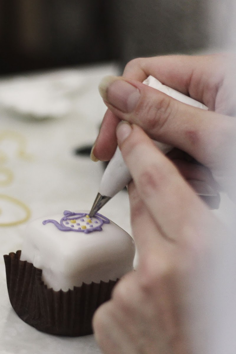 bettys tea room icing class