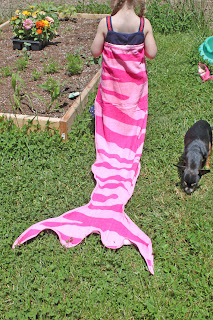 Mermaid Tail Towel DIY from Stitch To My Lou!