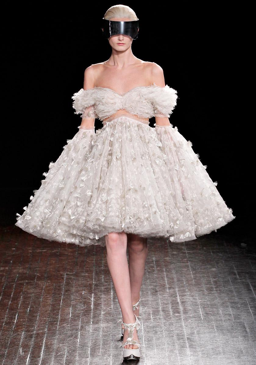 Annie's Fashion Break: Alexander McQueen Fall/Winter 2012/2013