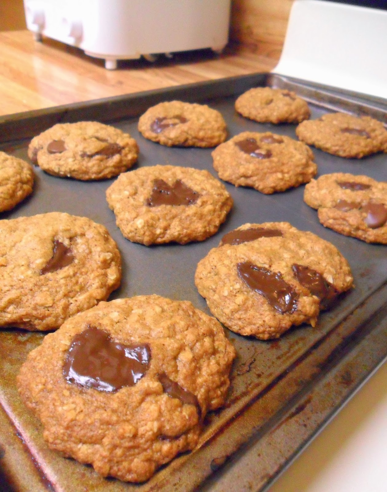 ... Chewy Chocolate Chunk Coconut Oatmeal Cookies (made with coconut oil