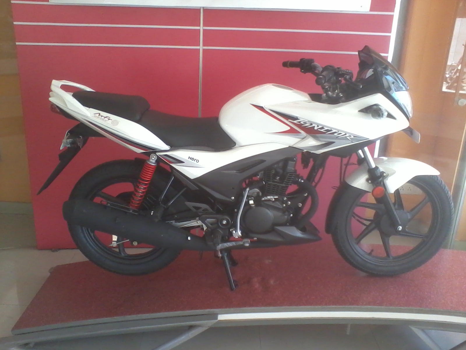 Ramki S Blog Hero Ignitor 125 Cc Bike Specification Mileage