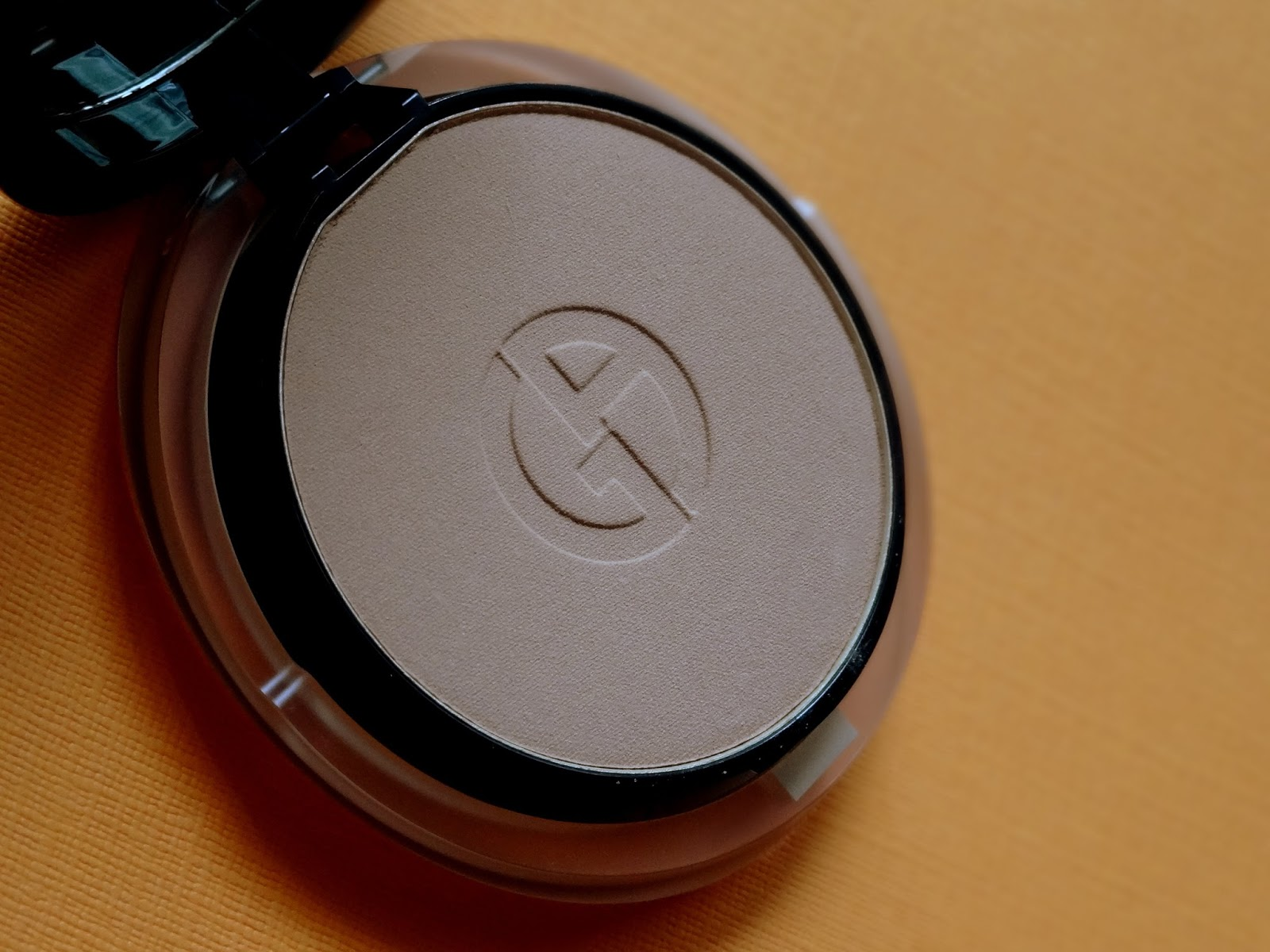 Lasting Silk 5.5 Silk Compact in 5.5 Review