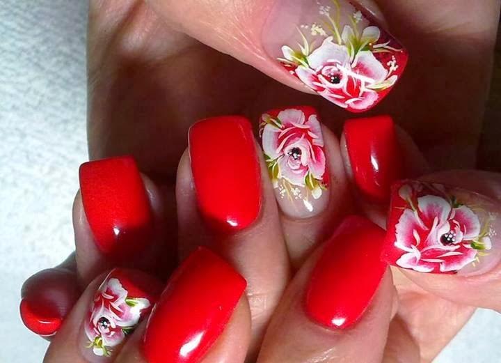 Uñas Pintadas con Diseño, Flores Rojas