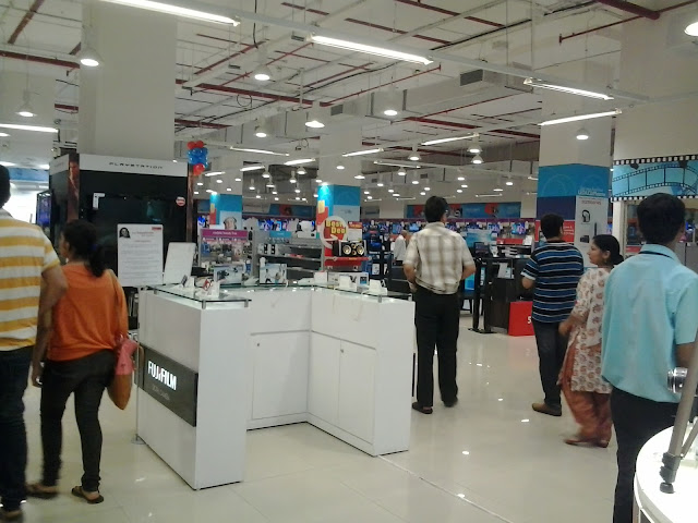 reliance digit store, R city mall mumbai, indiblogger invite, reliance digital experiance