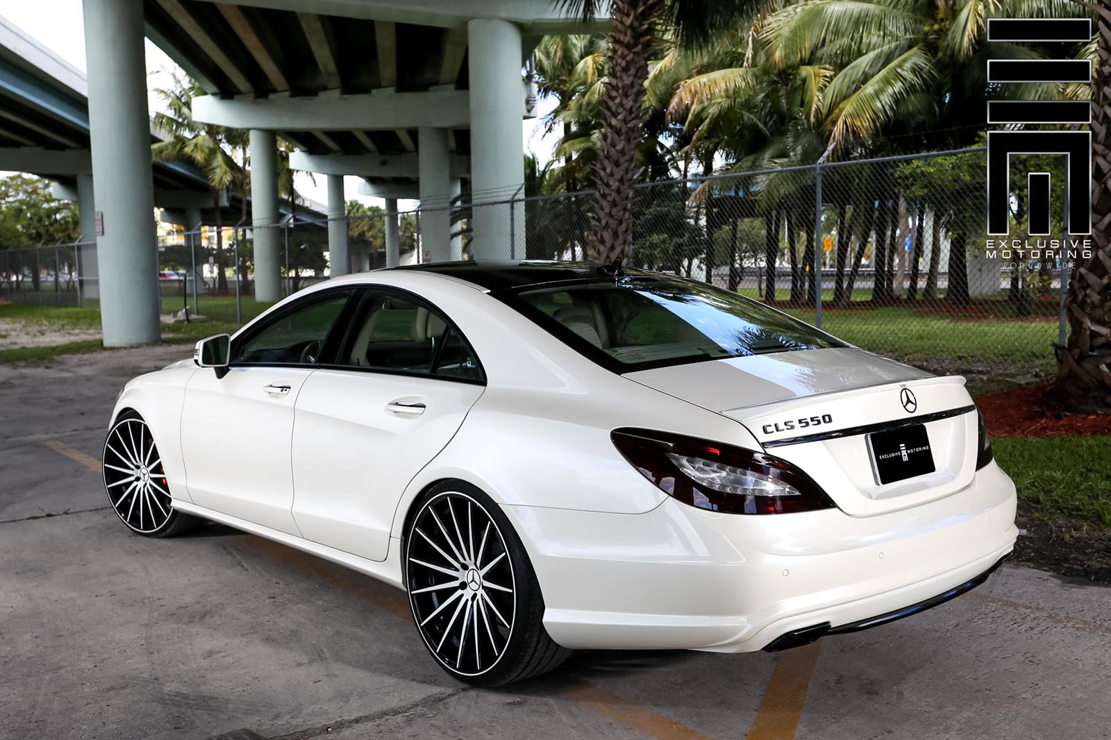 Mercedes benz w218 cls550 white on vossen vfs2 wheels for Mercedes benz wheels rims