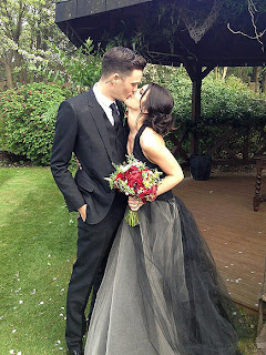 Shenae Grimes, wedding, black dress, wedding dress