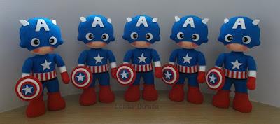 Boneco Capitão América em feltro para decoração de festa infantil
