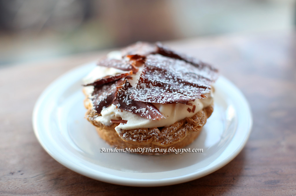 Random Meal Of The Day: Banana Cream Tart at Tartine Bakery