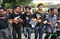 haziq , um , universiti malaya , pembangkang , pakatan rakyat , pr , mahasiswa , mahasewel , kami , kumpulan aktivis mahasiswa independen , solidariti mahasiswa malaysia , smm , bangang , bodoh , derhaka , nizar , sultan , johor , biadap , hina