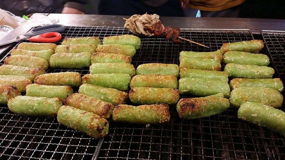 Enjoying Viet Street Food At The Tet 2016 Night Market
