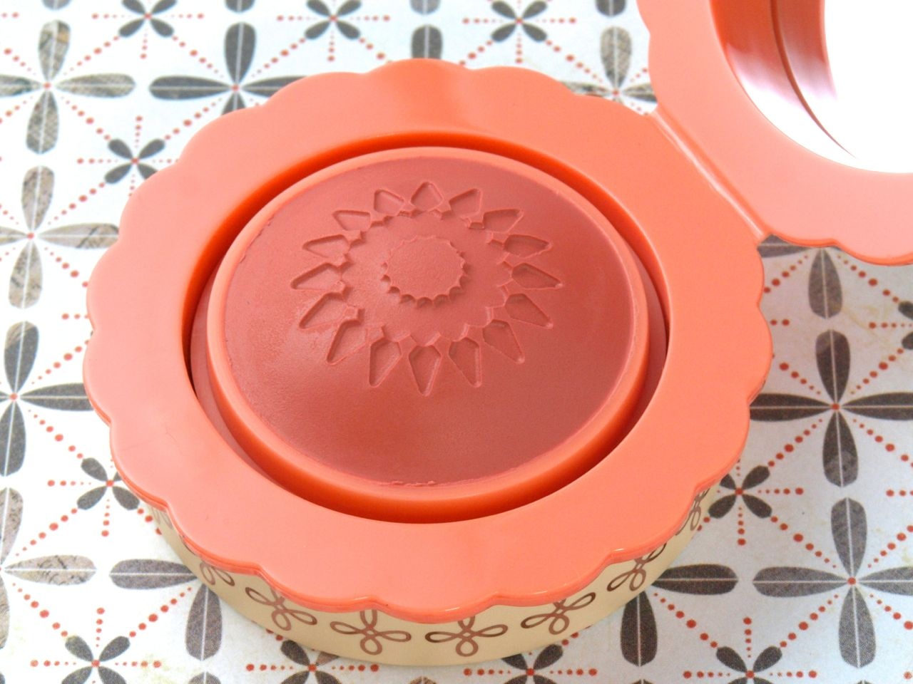 Benefit Majorette Cream-to-Powder Booster Blush: Review and Swatches