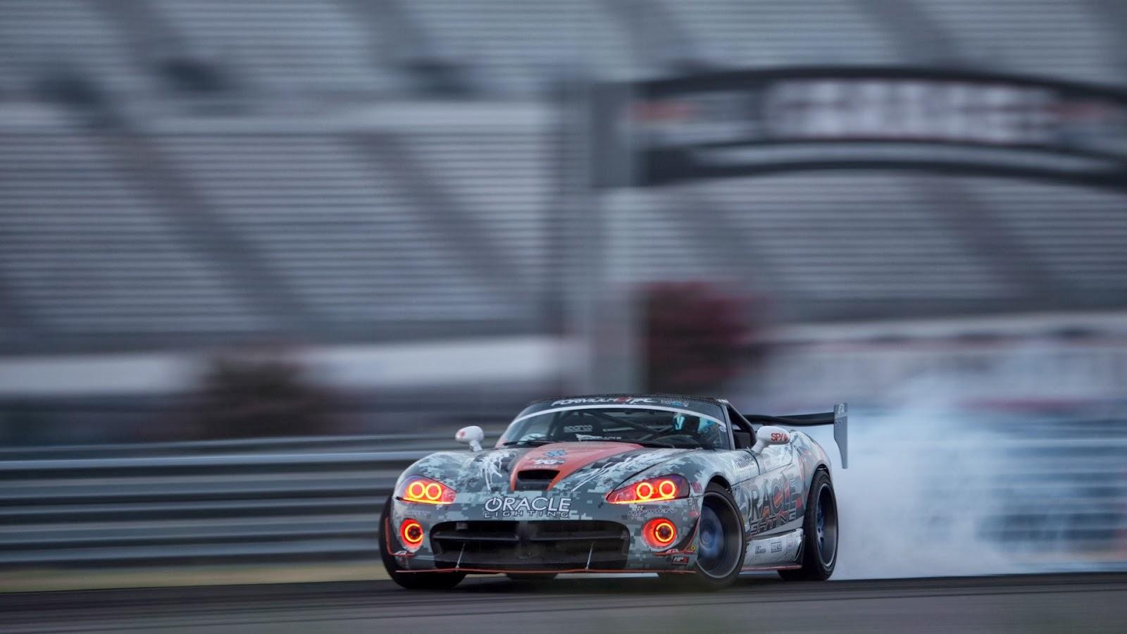 http://3.bp.blogspot.com/-fUq57J5csWA/UxZOYYbF1kI/AAAAAAAAYnU/-4sRia3NsJw/s1600/Dodge-Viper-Car-Drift-Smoke.jpg