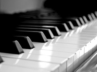 piano keyboard (8)