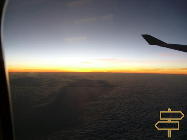 Por do sol no avião - Largar tudo para viajar