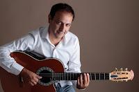 """Entrevistas: Carlos Mancinelli; """"Lo que puedo transformar lo hago desde el canto"""""""