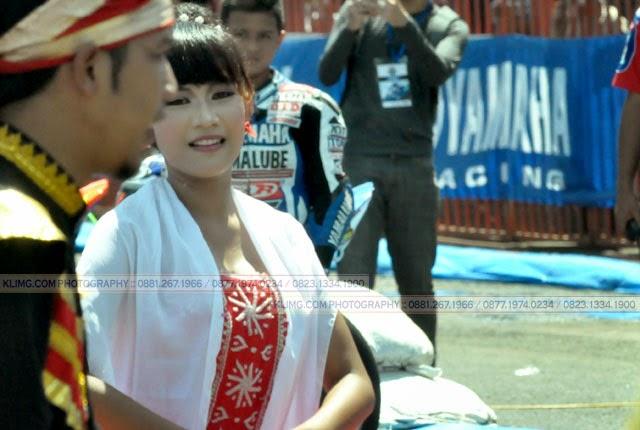 Mayoret Kènthongan Sing Ayu Moblong-moblong kaya Dènok Deblong