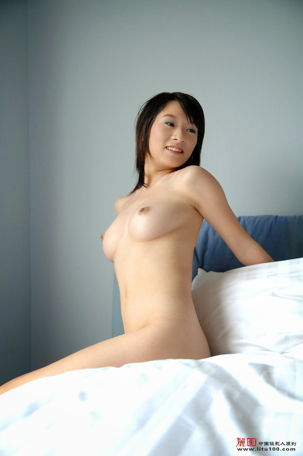 Chinese nude art model