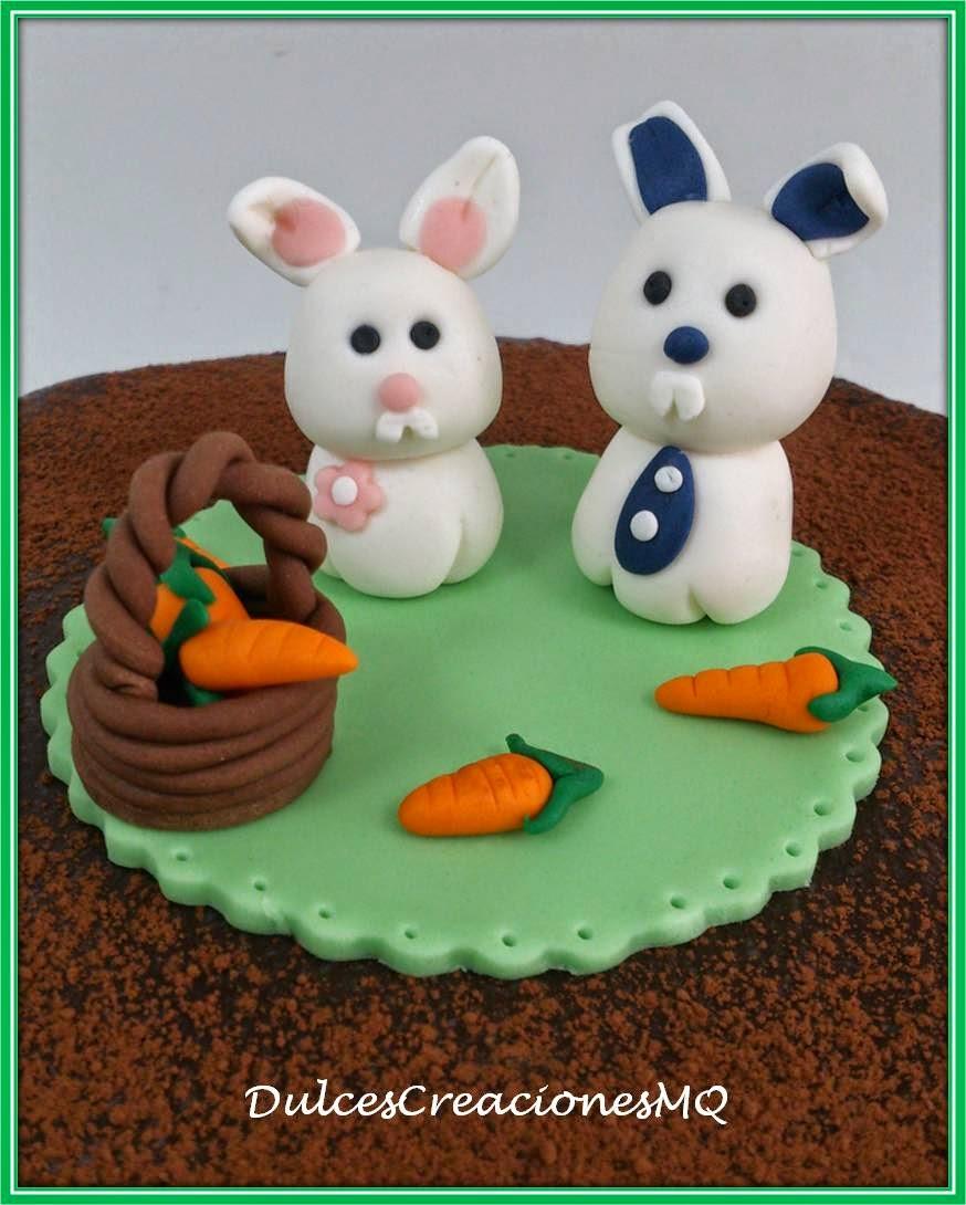 Tarta Mona de Pascuas Chocolate Layer Cake  Esponjoso Conejos Conejitos de Pascuas Zanahoria Cesta Sulces Creaciones Mariela Quiroga Repostería Creativa Barcelona Frosting Cumpleaños Aniversario Niño Niña Fondant Pasta de Azúcar Modelado Artesanal