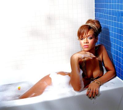 http://3.bp.blogspot.com/-fW4GguFFUL4/TwVdJXP7NlI/AAAAAAAAH2A/YamNGGxWPaM/s400/Rihannnaa+3.jpg