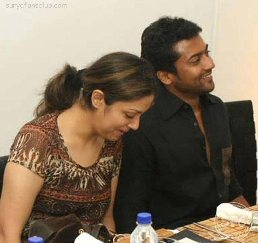 Surya family stills surya jyothika unseen personal images surya surya personal stills thecheapjerseys Image collections