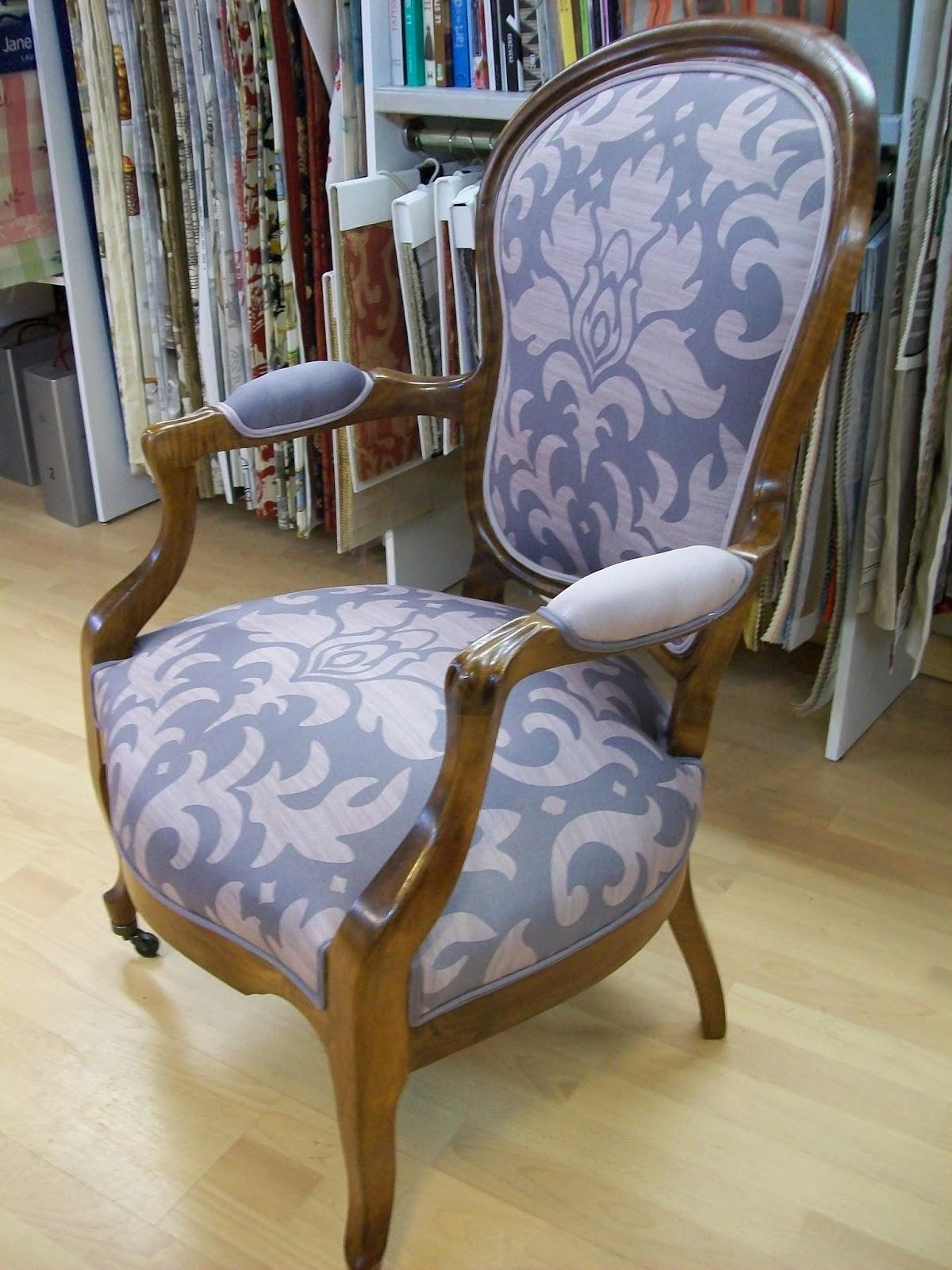 L 39 fauteuil louis philippe for Chaise baroque avec accoudoir