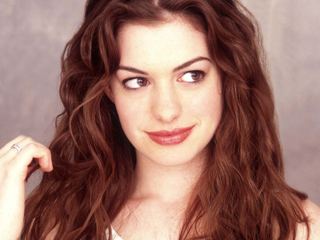 Hair & Beauty: Anne Hathaway Hairstyles 06