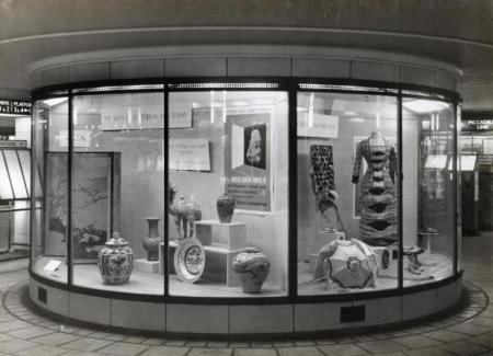 A display at Leicester Square Underground Station by the V&A's Circulation Department in 1938