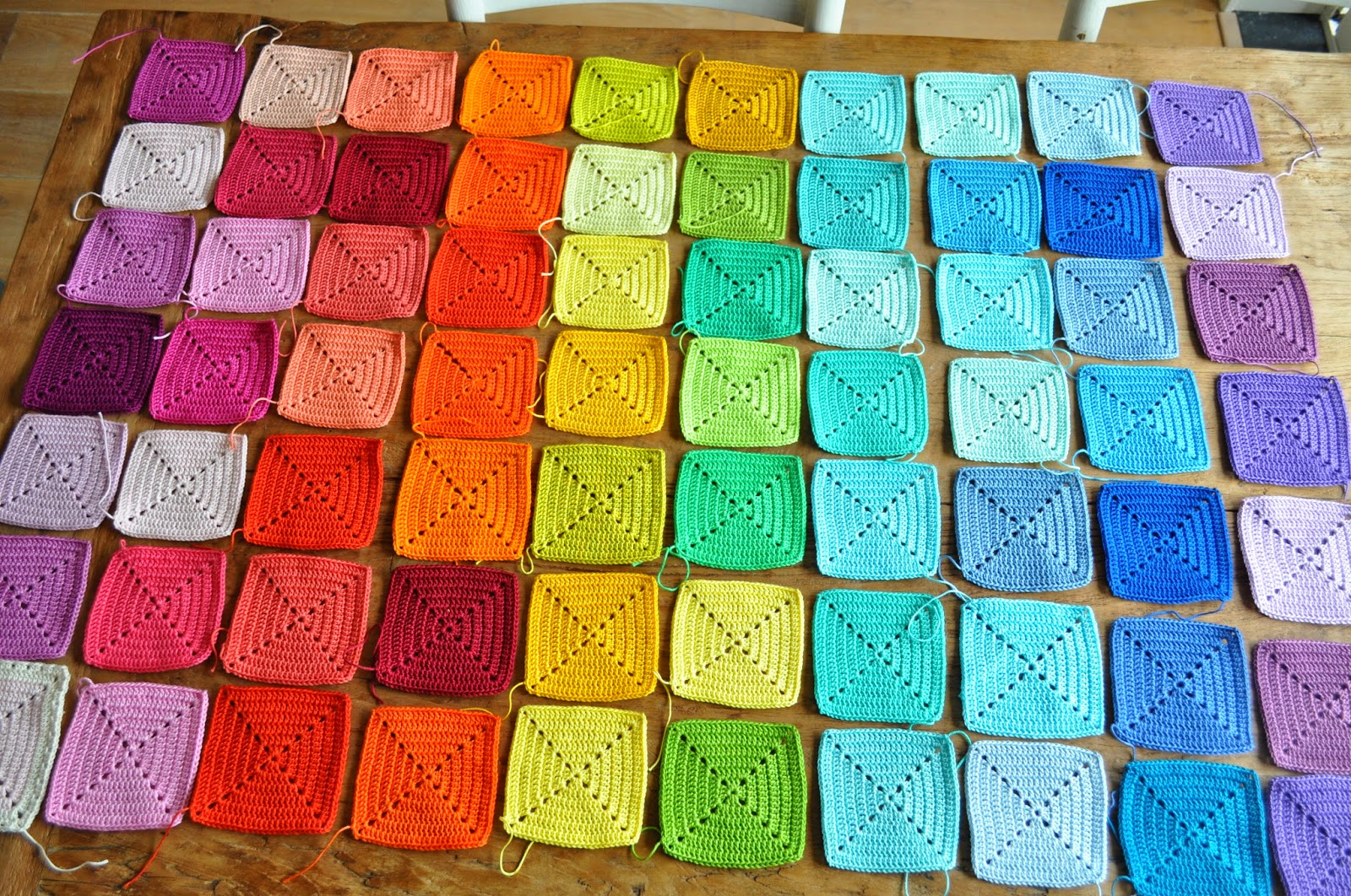 T Bezige Bijtje Rainbow Blanket Joining Granny Squares
