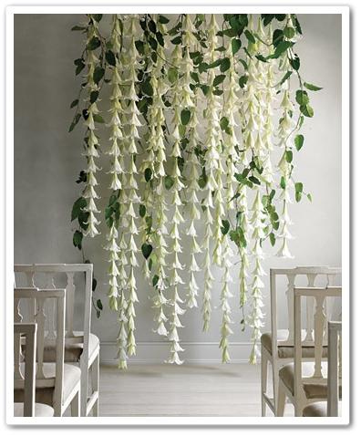 blommor till borglig visel, draperi av liljor