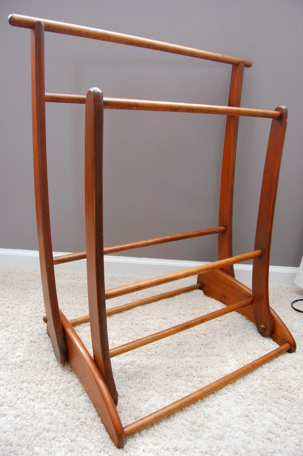 The Brown Needle: mid-century modern quilt rack : quilt display racks - Adamdwight.com