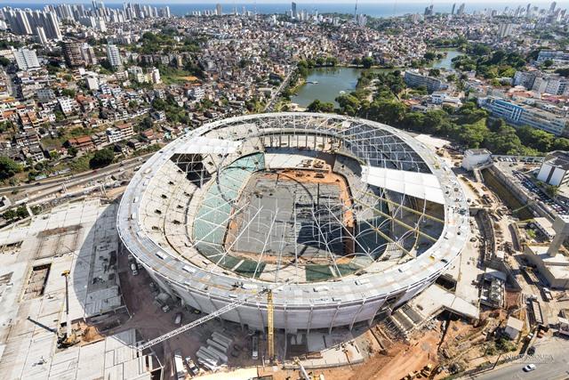 Cobertura e assentos da Arena Fonte Nova estão sendo instalados