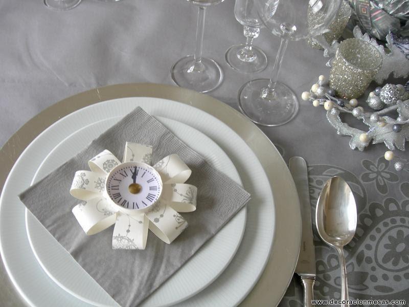 Decoracion de mesas mesa nochevieja en plateados - Decoracion relojes de pared ...
