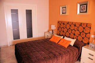 Decoracion actual de moda paredes pintadas de dos colores - Colores pintura dormitorio ...