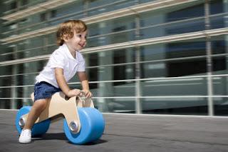 disseny moto futurista de Glodos Barcelona toys