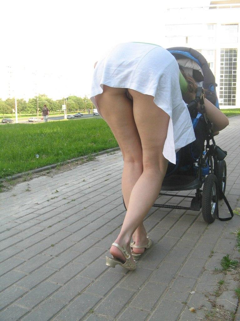 accidental public upskirt - porn galleries