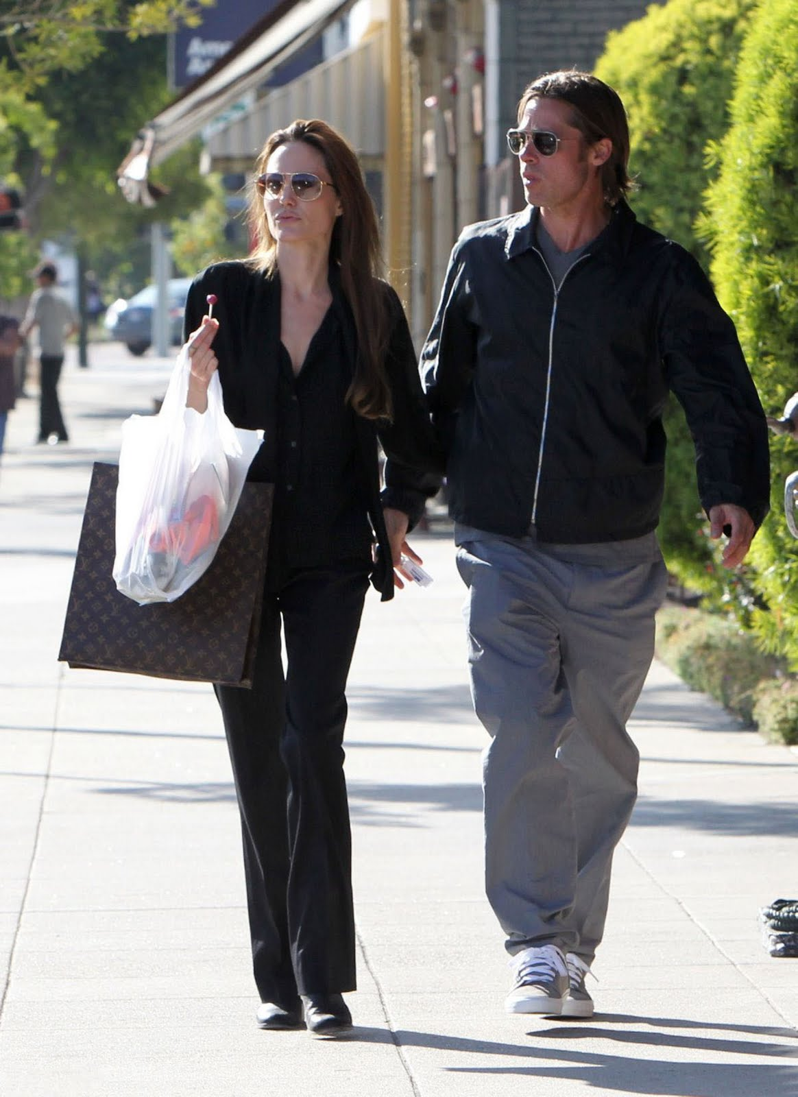 http://3.bp.blogspot.com/-fYIOLWjuPCg/TfoZUqNbUvI/AAAAAAAAaGw/nxmyTr7VHac/s1600/70+Angelina+Jolie+01.jpg