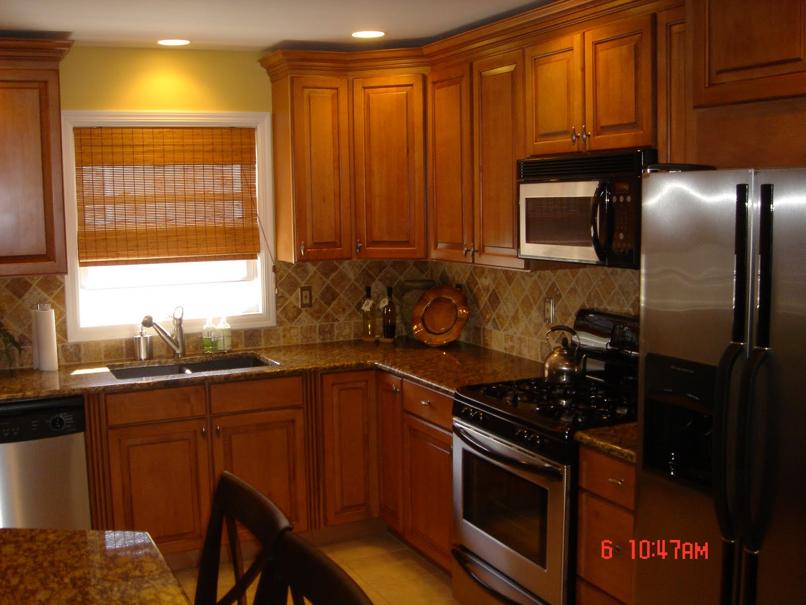 Kitchen backsplash oak cabinets best home decoration for Bathroom cabinet makeover ideas