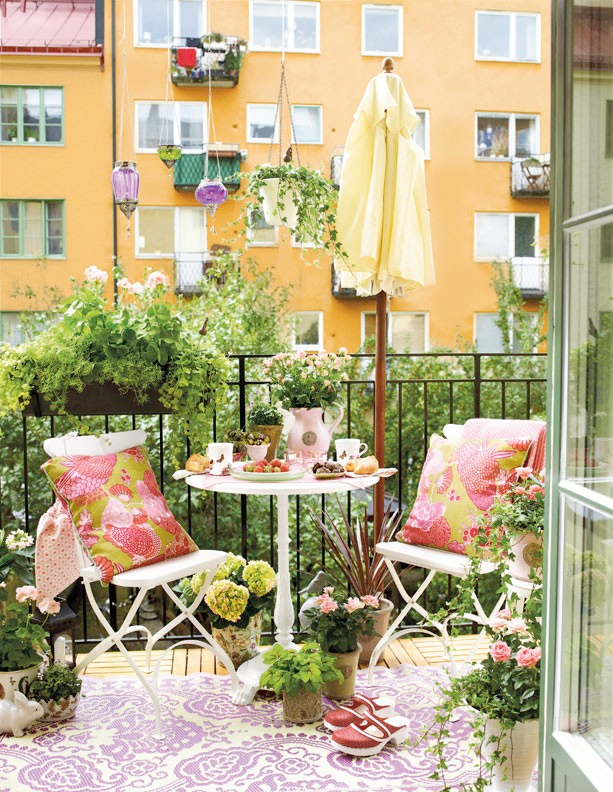 Apartment balcony decorating ideas the flat decoration for Apartment balcony ideas