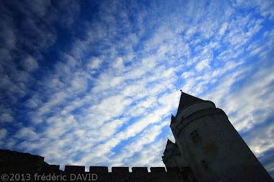 ciel nuages château fort Blandy-les-Tours Seine-et-Marne