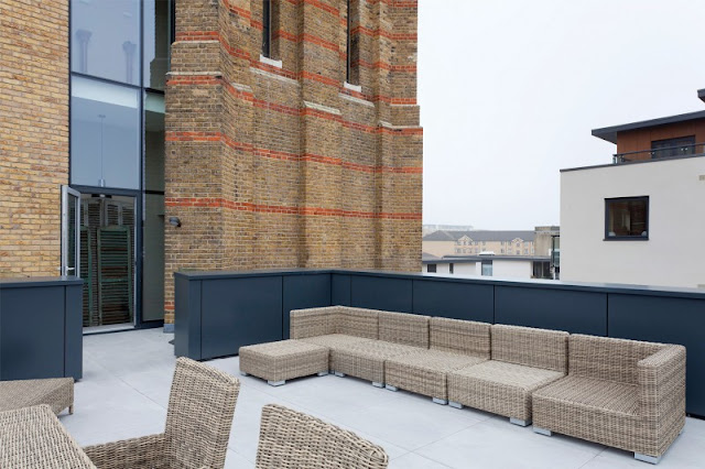 Picture of of the terrace on top of the modern cube