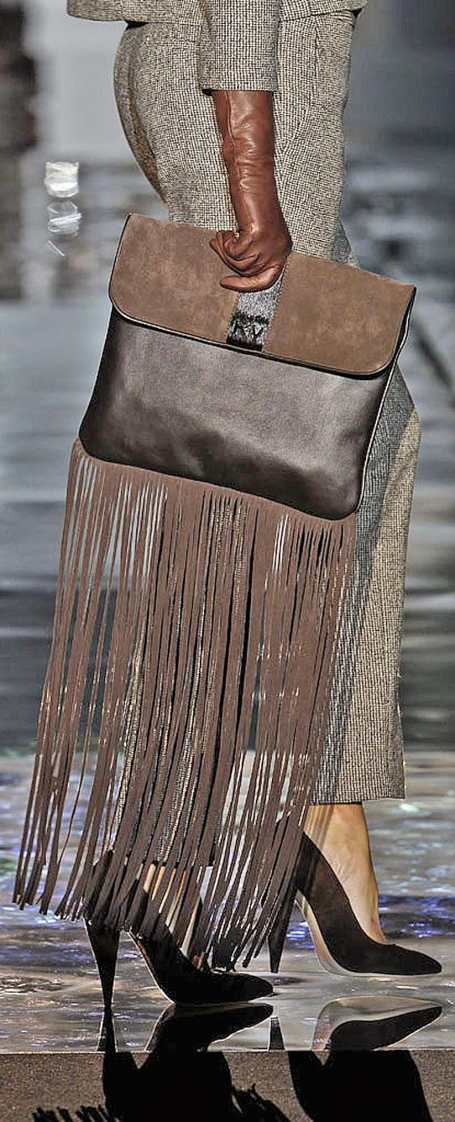 Tendências moda primavera-verão 2015 malas com franjas e aplicações