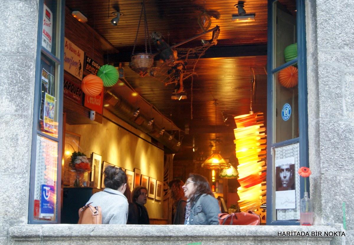 santiago bars