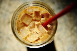 ledena kava │ kot dolg poljub │ ledene duše