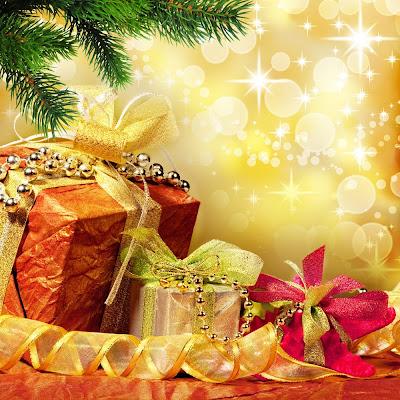 Regalos de Navidad en postal navideña